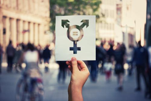 La liste de toutes les transsexuels de Genève se trouve sur catgirl.ch